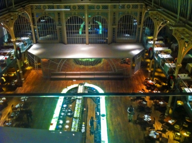 royal-opera-house-looking-down-on-restaurant-from-bar-below-charles-clore-studio-de15-december-2016