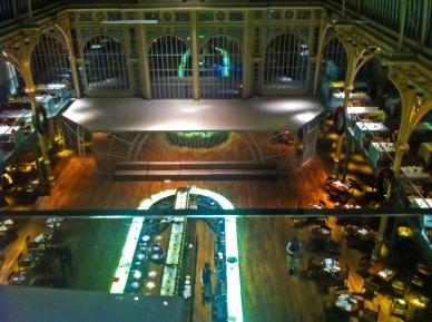 royal-opera-house-looking-down-on-restaurant-from-bar-below-charles-clore-studio-de15-december-2016